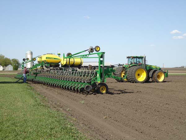 JD 8430 with 48 row 22 planter 001-